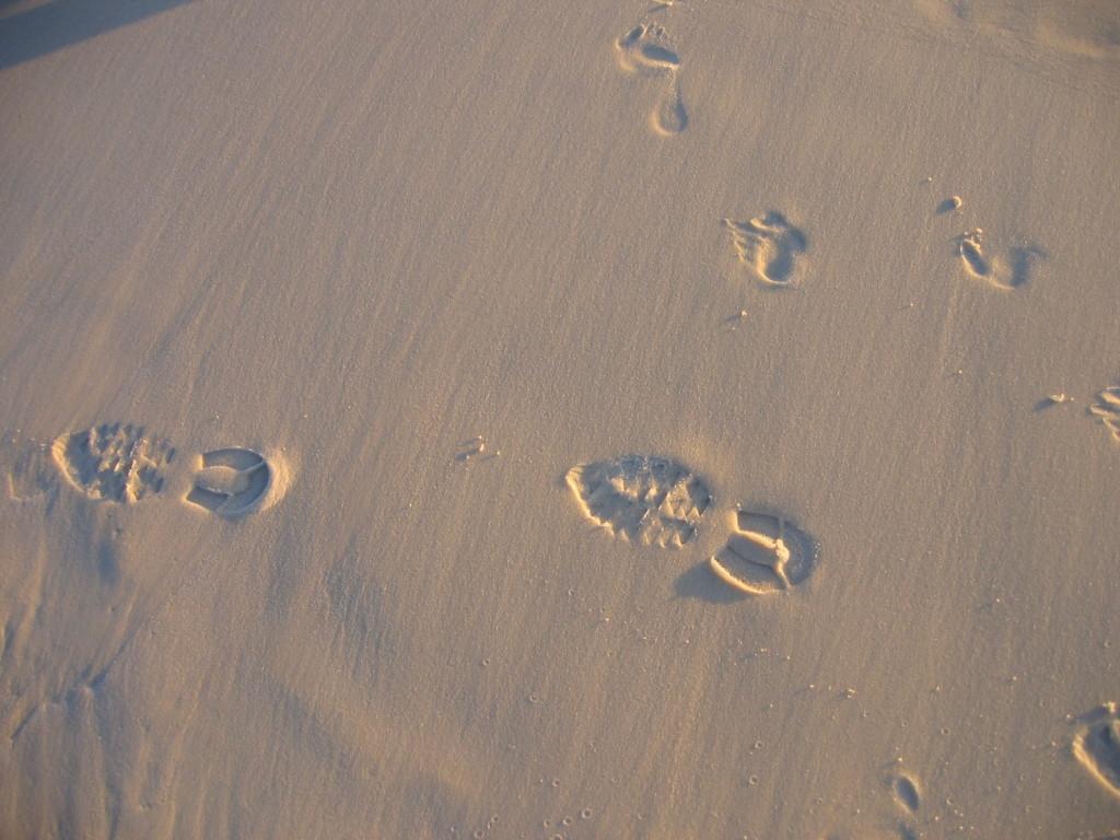 beach footsteps