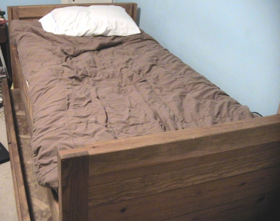Trundle Bed CC BY-SA 3.0,